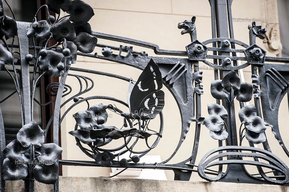 Milano, Lombardia, Italia. Stile liberty. Liberty style. Casa Ferrario via Spadari. arch. Pirovano
