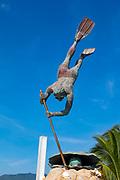 El Buzo, Pearl Diver Statue, Bucerias, Banderas Bay, Riviera Nayarit, Nayarit, Mexico