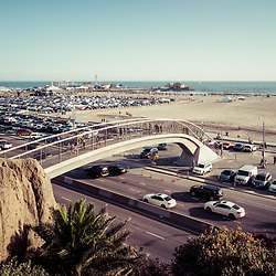 Santa Monica Beach pedestrian bridge and pier with Pacific Coast Highway. Copyright ⓒ 2017 Paul Velgos with All Rights Reserved.