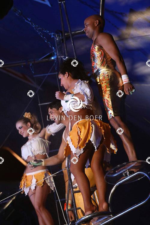 HELMOND - In de tent van Circus Herman Renz werden de opnames van de RTL4 KidsRights KerstSterrenCircus opgenomen. Met op de foto Humberto Tan. FOTO LEVIN DEN BOER / PERSFOTO.NU