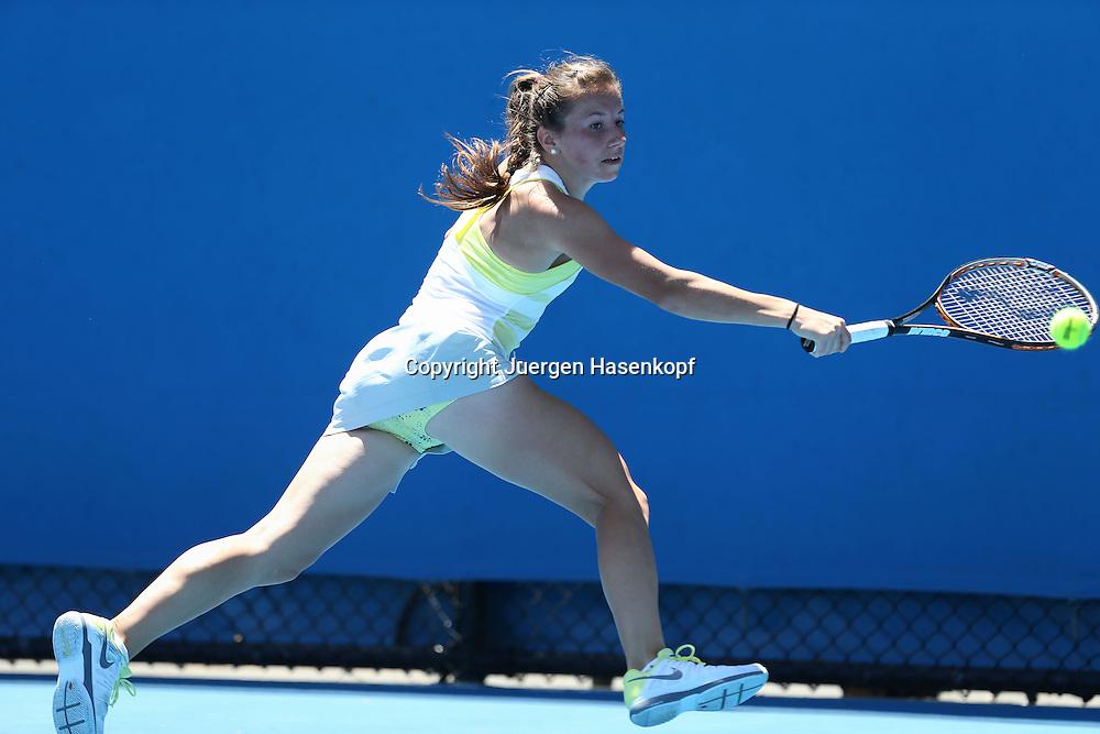 Australian Open 2013, Melbourne Park,ITF Grand Slam Tennis Tournament,.Annika Beck (GER),Aktion,Einzelbild,.Ganzkoerper,Querformat, .