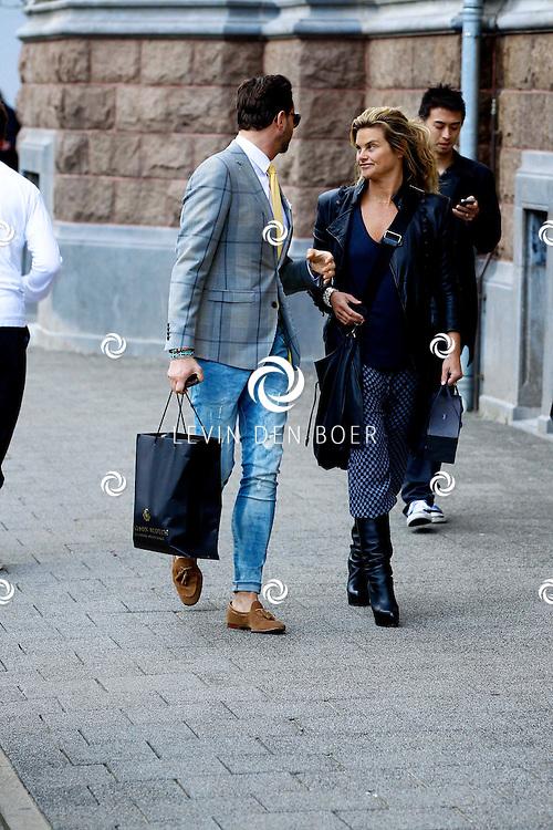 AMSTERDAM - In het Conservatorium Hotel vierde Leco Zadelhoff zijn 45ste verjaardag. Met op de foto  Fred van Leer met Judith Heinsbroek. FOTO LEVIN DEN BOER  - PERSFOTO.NU