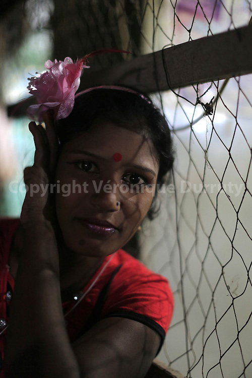Daulotdia Brothel, Bangladesh // Au bordel de Daulotdia, Bangladesh // With about 1800 girls, Daulotdia brothel is one of the biggest brothels in the world. // Avec environ 1800 filles, le bordel de Daulotdia au Bangladesh est l un des plus grands bordels du monde.