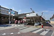 Nederland, Nijmegen, 29-8-2012Ingang gebouw umc radboud, umcn, academisch, universitair ziekenhuis. Door de verhuizing van de spoedeisende hulp rijden hier geen ambulances meer langs.Foto: Flip Franssen