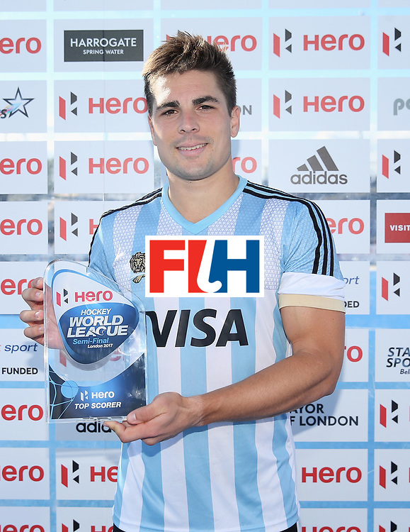 LONDON, ENGLAND - JUNE 25:  Gonzalo Peillat of Argentina poses with his  Top Goalscorer trophy after the final match between Argentina and the Netherlands on day nine of the Hero Hockey World League Semi-Final at Lee Valley Hockey and Tennis Centre on June 25, 2017 in London, England.  (Photo by Alex Morton/Getty Images)