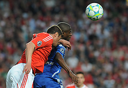 27.03.2012, Estadio da Luz, Lissabon, POR, UEFA CL, Viertelfinal-Hinspiel, Benfica Lissabon (POR) vs FC Chelsea (ENG), im Bild Benfica's Jardel Vieira, from Brazil, left, heads the ball with Chelsea's Ramires, from Brazil // during the UEFA Champions League Quarter-final first leg Match between Benfica Lissabon (POR) and FC Chelsea (ENG) at Estadio da Luz, Lisbon, Portugal on 2012/03/27. EXPA Pictures © 2012, PhotoCredit: EXPA/ Newspix/ Cityfiles..***** ATTENTION - for AUT, SLO, CRO, SRB, SUI and SWE only *****