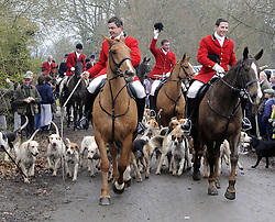 © Licensed to London News Pictures. 26/12/2011. Chiddingstone. UK. Boxing day Hunt meeting at Chiddingstone Castle in Kent. The hunt meeting is the biggest in the South East today,26.12.2011. Thousands of people watched the annual meeting arrive at Chiddingstone Castle this morning. Photo credit : Grant Falvey/LNP