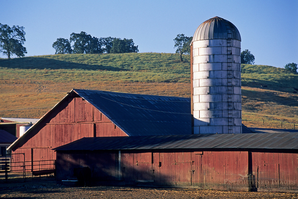 Red Barn, silo, and hills in the Knights Valley, Sonoma County, California