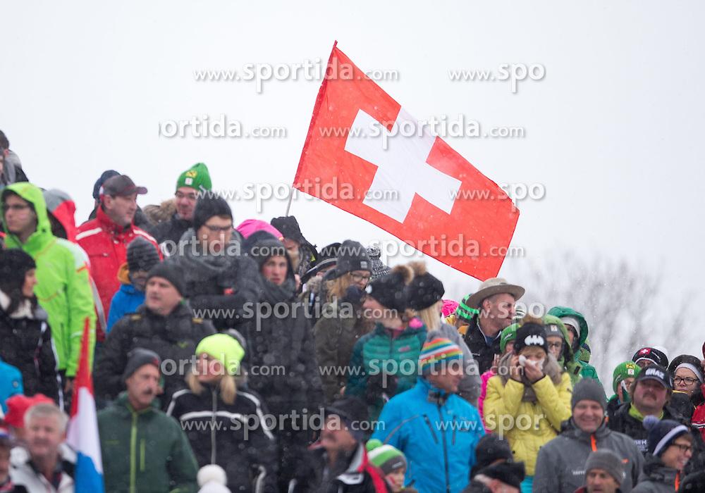 25.01.2015, Streif, Kitzbuehel, AUT, FIS Ski Weltcup, Slalom, Herren, im Bild schweizer Fans mit Fahnen //  supporters of Switzerland with flags during the men's Slalom of Kitzbuehel FIS Ski Alpine World Cup at the Streif Course in Kitzbuehel, Austria on 2015/01/25. EXPA Pictures © 2015, PhotoCredit: EXPA/ Johann Groder
