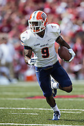 FAYETTEVILLE, AR - SEPTEMBER 5:  Jaquan White #9 of the UTEP Miners runs the ball against the Arkansas Razorbacks at Razorback Stadium on September 5, 2015 in Fayetteville, Arkansas.  The Razorbacks defeated the Miners 48-13.  (Photo by Wesley Hitt/Getty Images) *** Local Caption *** Jaquan White