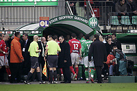 Fotball<br /> Frankrike<br /> Foto: Dppi/Digitalsport<br /> NORWAY ONLY<br /> <br /> FOOTBALL - FRENCH CHAMPIONSHIP 2006/2007 - LEAGUE 1 - AS SAINT ETIENNE v OLYMPIQUE LYON - 03/03/2007<br /> <br /> TONY CAPRON (REFEREE) DECIDES TO STOP THE GAME AND LYON AND ASSE GO TO THE GEOFFROY GUICCHARD 'S TUNNEL