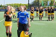 Den Bosch - Den Bosch - SCHC  Dames, Halve Finale  Playoffs, Tweede wedstrijd, Hoofdklasse Hockey Dames, Seizoen 2017-2018, 05-05-2018, Den Bosch - SCHC 4-2, Maartje Krekelaar (Den Bosch) en Josine Koning (Den Bosch) dolgelukkig met bereiken finale. <br /> <br /> (c) Willem Vernes Fotografie