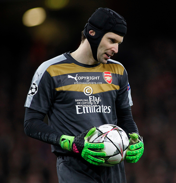 LONDON, ENGLAND - FEBRUARY 23: Petr Cech of Arsenal during the Champions League match between Arsenal and Barcelona at The Emirates Stadium on February 23, 2016 in London, United Kingdom. (Photo by Mitchell Gunn/ESPA-Images)