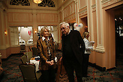 SANDRA HOWARD AND RICHARD INGRAMS. Oldie magazine's Oldie of the Year Awards 2006. Simpson's. the Strand. London.21 March 2006.  ONE TIME USE ONLY - DO NOT ARCHIVE  © Copyright Photograph by Dafydd Jones 66 Stockwell Park Rd. London SW9 0DA Tel 020 7733 0108 www.dafjones.com