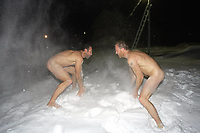 Ekspedisjoner<br /> Foto: Dppi/Digitalsport<br /> NORWAY ONLY<br /> <br /> ADVENTURE - MIKE HORN AND BORGE OUSLAND NORTH POLE WINTER EXPEDITION 2006 - ARCTIC ICE FIELD - 01/02/2006<br /> <br /> PHOTO : MIKE HORN / MIKEHORN.COM / DPPI<br /> <br /> MIKE HORN (RSA) AND BØRGE OUSLAND (NOR) BECOME THE FIRST MEN TO JOIN NORTH POLE COMPLETELY UNASSISTED IN ARCTIC WINTER AFTER WALKING 1000 KM IN 60 DAYS AND 5 HOURS - THEY LEFT CAPE ARTICHEVSKY 20/01/2006 AT 09:00 GMT AND REACHED NORTH POLE 23/03/2006 - MIKE AND BORGE TRAINING THEMSELVES TO SUPPORT EXTREME COLD (-50íC)