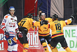 13.11.2010, Olympiahalle, Muenchen, GER, Deutschlandcup , Slovakei vs Deutschland , im Bild Jubel nach dem 2-2 durch Hospelt Kai (Deutschland #18) mit Gogulla Philip (Deutschland #87) , EXPA Pictures © 2010, PhotoCredit: EXPA/ nph/  Straubmeier+++++ ATTENTION - OUT OF GER +++++