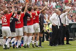 01-06-2003 NED: Amstelcup finale FC Utrecht - Feyenoord, Rotterdam<br /> FC Utrecht pakt de beker door Feyenoord met 4-1 te verslaan