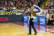 DESCRIZIONE : Venezia Lega A 2014-15 Play Off Gara2 Quarti di Finale Umana Reyer Venezia Acqua Vitasnella Cantu<br /> GIOCATORE : Darius Johnson Odom<br /> CATEGORIA : Before<br /> SQUADRA : Umana Reyer Venezia Acqua Vitasnella Cantu<br /> EVENTO : Campionato Lega A 2014-2015<br /> GARA : Umana Reyer Venezia Acqua Vitasnella Cantu<br /> DATA : 21/05/2015<br /> SPORT : Pallacanestro <br /> AUTORE : Agenzia Ciamillo-Castoria/G. Contessa<br /> Galleria : Lega Basket A 2014-2015 <br /> Fotonotizia : Venezia Lega A 2014-15 Play Off Gara2 Quarti di Finale Umana Reyer Venezia Acqua Vitasnella Cantu