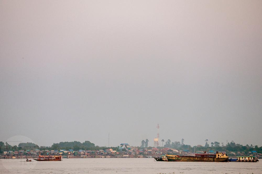 De Mehkong, de grootste en belangrijkste rivier in Cambodja.