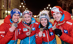 26.02.2017, Lahti, FIN, FIS Weltmeisterschaften Ski Nordisch, Lahti 2017, Skisprung Teambewerb, Haus Österreich, im Bild Silbermedaillengewinner Team Österreich Stefan Kraft, Daniela Iraschko Stolz, Jacqueline Seifriedsberger, Michael Hayböck // Silver medal winners Team Austria Stefan Kraft Daniela Iraschko Pride Jacqueline Seifriedsberger Michael Hayböck celebrate their medals for the mixed ski jumping team event of FIS Nordic Ski World Championships 2017. Lahti, Finland on 2017/02/26. EXPA Pictures © 2017, PhotoCredit: EXPA/ JFK
