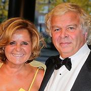 NLD/Amsterdam/20111029- JFK Greatest Man Award 2011, Eddy de kroes en partner Erna Brinkers