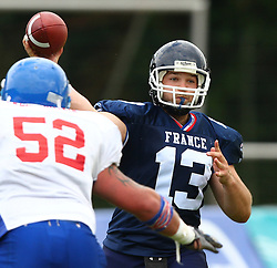 27.07.2010, Wetzlar Stadion, Wetzlar, GER, Football EM 2010, Team France vs Team Great Britain, im Bild Pass von Max Sprauel, (Team France, QB, #13) ,  EXPA Pictures © 2010, PhotoCredit: EXPA/ T. Haumer / SPORTIDA PHOTO AGENCY