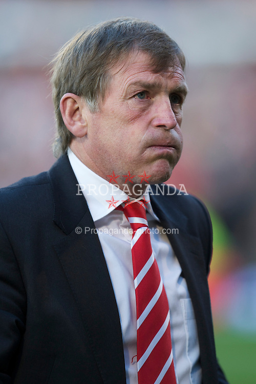 LONDON, ENGLAND - Monday, May 9, 2011: Liverpool's manager Kenny Dalglish before the Premiership match against Fulham at Craven Cottage. (Photo by David Rawcliffe/Propaganda)