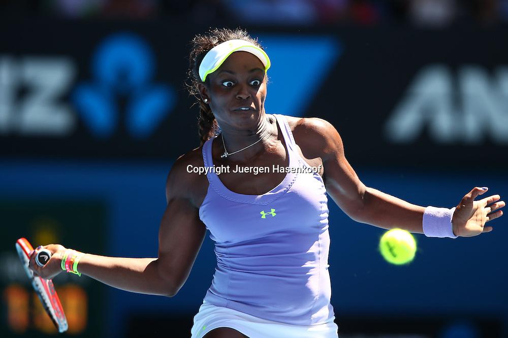 Australian Open 2013, Melbourne Park,ITF Grand Slam Tennis Tournament,.Sloane Stephens (USA),Aktion,Einzelbild,Halbkoerper,Querformat,