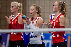10-12-2016 NED: VC Sneek - Sliedrecht Sport, Sneek<br /> Sneek wint met 3-0 van Sliedrecht Sport / Hester Jasper #4 of Sneek, Janieke Popma #2 of Sneek, Roos van Wijnen #11 of Sneek