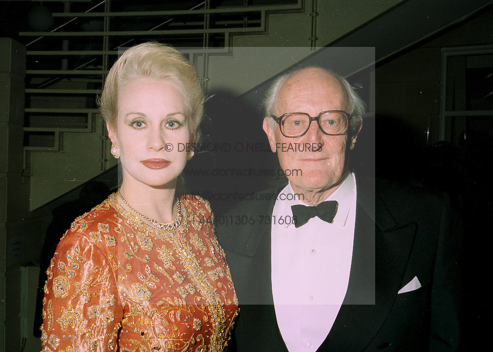 The EARL & COUNTESS OF SHANNON at a party in London on 9th June 1997.LZD 28