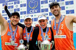 03-06-2012 VOLLEYBAL: EK BEACHVOLLEYBAL FINAL: SCHEVENINGEN<br /> (L-R) Daan Spijkers, Marleen van Iersel, Sanne Keizer en Emiel Boersma<br /> &copy;2012-FotoHoogendoorn.nl