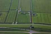 Nederland, Friesland, Gemeente Ferweradeel, 08-09-2009; omgeving Marrum, Waddendijk, Tempel van Ids Willemsma, kunstwerk ter gelegenheid van het op deltahoogte brengen van de Friese zeedijken.  In het buitendijkse land van Noorderleeg schapen en twee dobbes (dobbe: gegraven poel met drinkwater voor het vee)..Marrum, Waddendijk, Temple of Ids Willemsma, artwork on the occasion of .the final satge of heightening the Frisian sea walls. In the the land outside the dikes sheep and two dobbes (dobbe: dug pond with water for cattle).luchtfoto (toeslag); aerial photo (additional fee required); .foto Siebe Swart / photo Siebe Swart