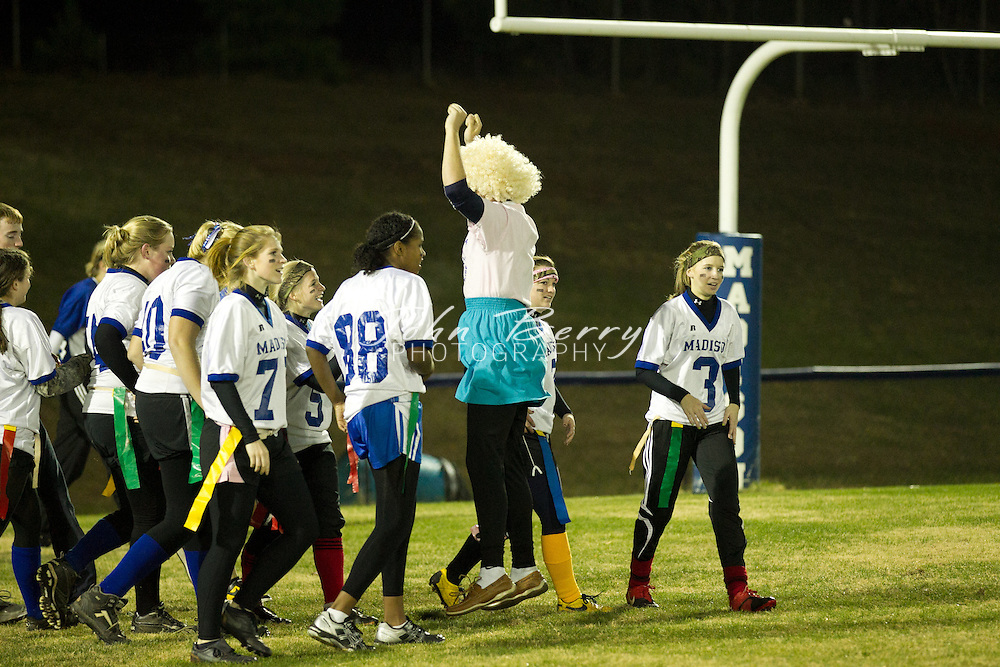 November/22/10:  Powderpuff 2010, Seniors defeat Juniors 14-7.  Senior touchdowns by Megan Clark, one off an interception.  Junior touchdown by Leanna Coates.