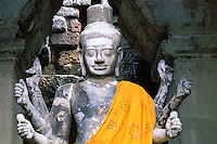 Cambodge, Siem Reap, Angkor, Temple de Angkor Vat, patrimoine mondial UNESCO, statue de Vishnou // Cambodia, Ankgor, Angkor Vat Temple, UNESCO world heritage, Vishnou statue