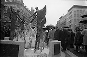 16/04/1966<br /> 04/16/1966<br /> 16 April 1966<br /> Unveiling of Thomas Davis Memorial at College Green, Dublin. The design by Irish sculptor Edward Delaney took the form of a statue fronted by a futuristic fountain on a cobblestone plinth. Picture shows sculptor-designer Edward Delaney (left) describing the memorial fountain to Mr. Kevin Boland T.D., Minister for Social Welfare and Alderman Timmons T.D., P.C. Lord Mayor of Dublin, after the ceremony.