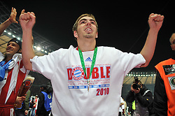 15.05.2010, Olympia Stadion, Berlin, GER, DFB Pokal Finale 2010,  Werder Bremen vs Bayern Muenchen im Bild  Jubel bei Philipp Lahm (Bayern #21). EXPA Pictures © 2010, PhotoCredit: EXPA/ nph/ Conny Kurth / SPORTIDA PHOTO AGENCY