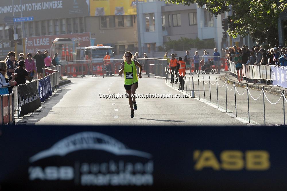 Hamish Carson of Wellington approaches the finish line. ASB Auckland Marathon 2014,02 November 2014. Photo: Raghavan Venugopal/www.photosport.co.nz