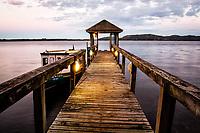 Trapiche para transporte hidroviário na Costa da Lagoa. Florianópolis, Santa Catarina, Brasil. / Pier for water transport at Costa da Lagoa. Florianopolis, Santa Catarina, Brazil.