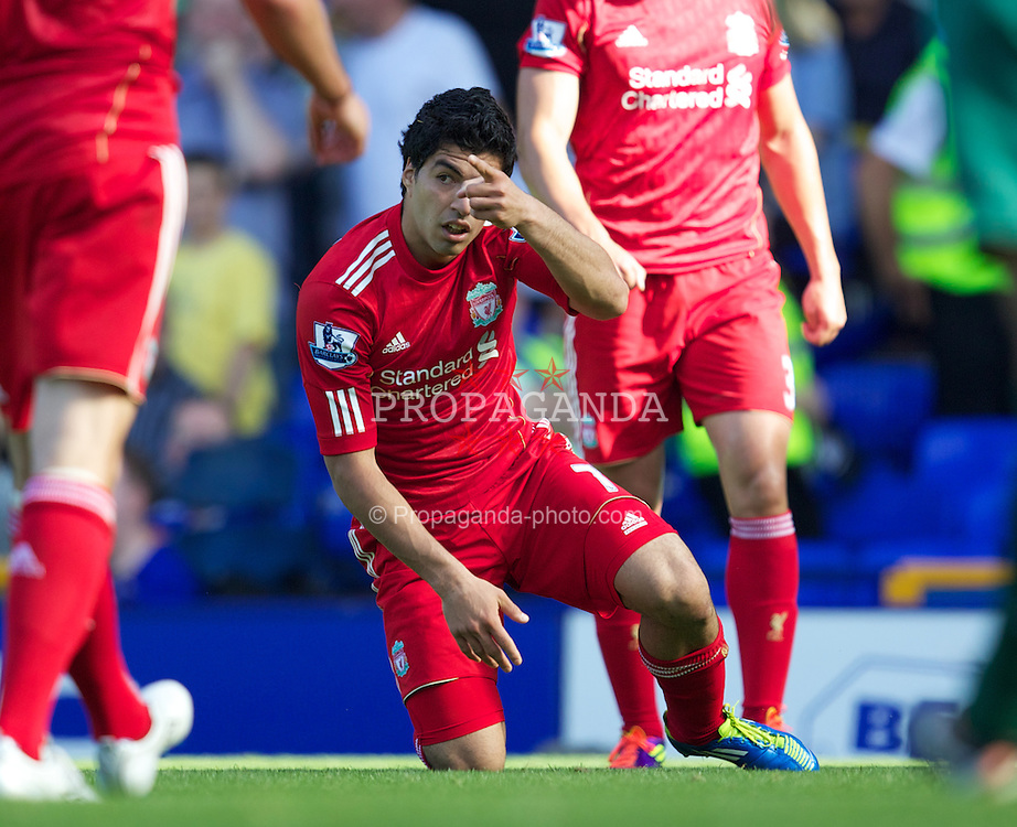 LIVERPOOL, ENGLAND - Saturday, October 1, 2011: Liverpool's Luis Alberto Suarez Diaz is given a penalty kick during the Premiership match against Everton at Goodison Park. (Pic by Vegard Grott/Propaganda)
