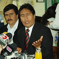 Toluca, Mex.- Carlos Sánchez Sánchez, presidente municipal de Jiquipilco, acusó simpatizantes del Partido Revolucionario Institucional (PRI) de ser los autores de manifestaciones en el palacio municipal. Agencia MVT / José Hernández. (DIGITAL)<br /> <br /> <br /> <br /> NO ARCHIVAR - NO ARCHIVE