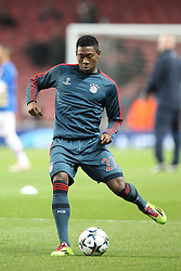 19.02.2014, Emirates Stadion, London, ESP, UEFA CL, FC Arsenal vs FC Bayern Muenchen, Achtelfinale, im Bild David ALABA #27 (FC Bayern Muenchen) beim warm up // during the UEFA Champions League Round of 16 match between FC Arsenal and FC Bayern Munich at the Emirates Stadion in London, Great Britain on 2014/02/19. EXPA Pictures © 2014, PhotoCredit: EXPA/ Eibner-Pressefoto/ Kolbert<br /> <br /> *****ATTENTION - OUT of GER*****
