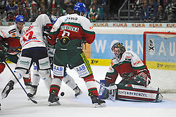12.09.2014, AEV, Augsburg, GER, DEL, Augsburger Panther vs Eisbaeren Berlin, 1. Runde, im Bild Laurin Braun (Eisbaeren Berlin) 12 kaempft vergeblich gegen Jeff Woywitka (Augsburger Panther) 6 und Torwart Chris Mason (Augsburger Panther) 31 // during germans DEL Icehockey League 1st round match between Augsburger Panther vs Eisbaeren Berlin at the AEV in Augsburg, Germany on 2014/09/12. EXPA Pictures © 2014, PhotoCredit: EXPA/ Eibner-Pressefoto/ Schreyer<br /> <br /> *****ATTENTION - OUT of GER*****