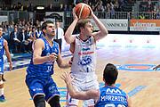 DESCRIZIONE : Cantu, Lega A 2015-16 Acqua Vitasnella Cantu' Enel Brindisi<br /> GIOCATORE : Jared Berggren<br /> CATEGORIA : Tecnica<br /> SQUADRA : Acqua Vitasnella Cantu'<br /> EVENTO : Campionato Lega A 2015-2016<br /> GARA : Acqua Vitasnella Cantu' Enel Brindisi<br /> DATA : 31/10/2015<br /> SPORT : Pallacanestro <br /> AUTORE : Agenzia Ciamillo-Castoria/I.Mancini<br /> Galleria : Lega Basket A 2015-2016  <br /> Fotonotizia : Cantu'  Lega A 2015-16 Acqua Vitasnella Cantu'  Enel Brindisi<br /> Predefinita :
