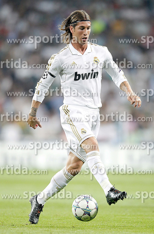 27.09.2011, Bernabeu-Stadion, Madrid, ESP, UEFA CL, Gruppe D, Real Madrid (ESP) vs Ajax Amsterdam (NED), im Bild Real Madrid's Sergio Ramos // during the UEFA Champions League game, group D, Real Madrid (ESP) vs Ajax Amsterdam (NED) at Bernabeu-Stadion in Madrid, Spain on 2011/09/27. EXPA Pictures © 2011, PhotoCredit: EXPA/ Alterphoto/ Alvaro Hernandez +++++ ATTENTION - OUT OF SPAIN/(ESP) +++++