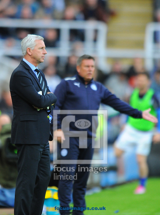 Newcastle United manager Alan Pardew during the Barclays Premier League match at St. James's Park, Newcastle<br /> Picture by Greg Kwasnik/Focus Images Ltd +44 7902 021456<br /> 18/10/2014