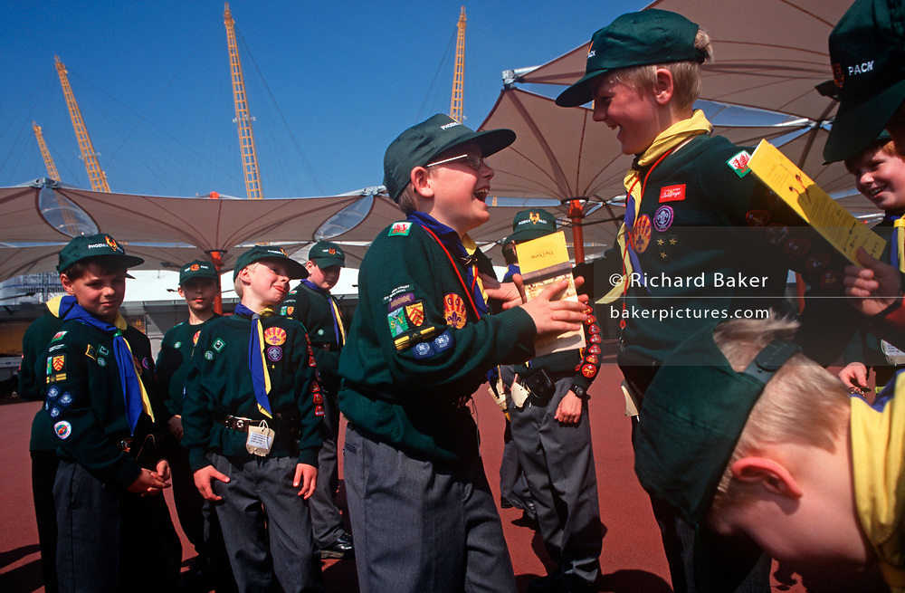 A pack of cub scouts enjoy a day out visiting the Greenwich Peninsular where The Millennium Dome (later to become the 02 Arena) is being constructed, on 25th March 1998, in London, England. (Photo by Richard Baker / In Pictures via Getty Images)