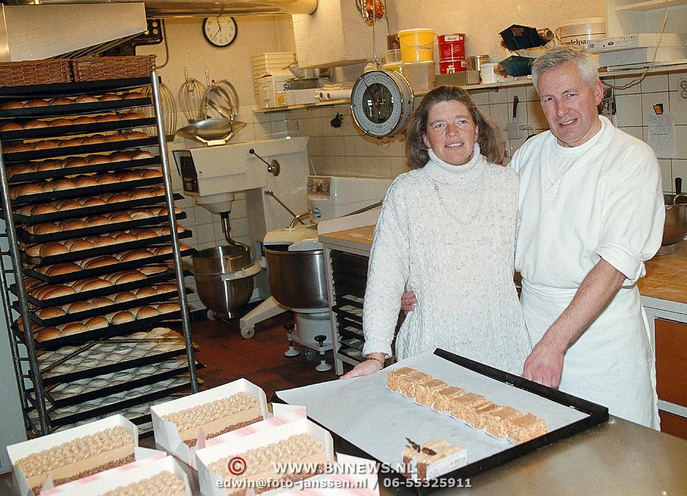 Bakkerij Honing sluit na vele jaren de bakkerij aan de Kerkstraat Huizen