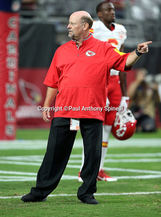 Kansas City Chiefs spread game analyst and special projects coach Brad Childress points while the team warms up before the 2015 NFL preseason football game against the Arizona Cardinals on Saturday, Aug. 15, 2015 in Glendale, Ariz. The Chiefs won the game 34-19. (©Paul Anthony Spinelli)