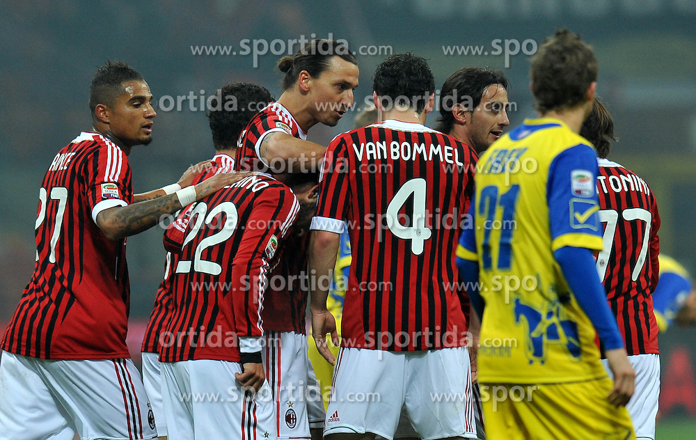 27.11.2011, Stadion Giuseppe Meazza, Mailand, ITA, Serie A, AC Mailand vs AC Chievo Verona, 13. Spieltag, im Bild Esultanza dopo il gol di Zlatan IBRAHIMOVIC (Milan) goal celebration // during the football match of Italian 'Serie A' league, 13th round, between AC Mailand and AC Chievo Verona at Stadium Giuseppe Meazza, Milan, Italy on 2011/11/27. EXPA Pictures © 2011, PhotoCredit: EXPA/ Insidefoto/ Alessandro Sabattini..***** ATTENTION - for AUT, SLO, CRO, SRB, SUI and SWE only *****