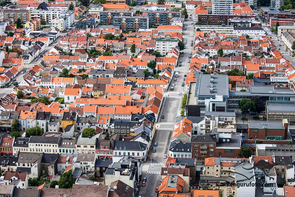 Kristiansand, 20090817.<br /> Gammel trebebyggelsen i Posebyen i Kristiansand sentrum sett fra luften.<br /> Foto: Tor Erik Schr&oslash;der